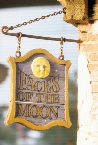Faces of the Moon sign