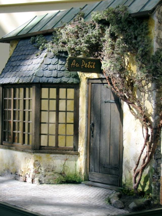 Au Petit Entrance.JPG